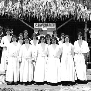 Maryknoll sisters before interment 1942