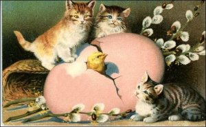 free-vintage-easter-clip-art-pink-egg-three-tabby-kittens