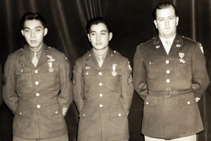 S/Sgt, Dick Hamada, Sgt .Fumio Kido w/ Blakenship 3 Jan. 1946 for Soldier's Award