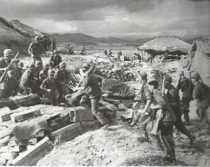 British 29th Inf. Brigade meet up w/ G.I.s at Naktong River, Sept. 1950