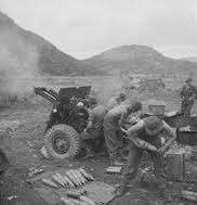 New Zealand troops fire a 25-pounder at Kapyong