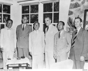 L to R; unknown person, Plimsoll, Rhee, R.G. Casey, Pote Sarasin (Thai delegate)  & Alan Watt (US Dept. of External Affairs)