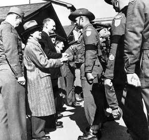 Syngman Rhee & James Plimsoll w/ the 3 RAR, Korea 1950