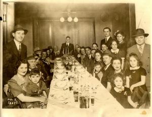 1940's seder dinner