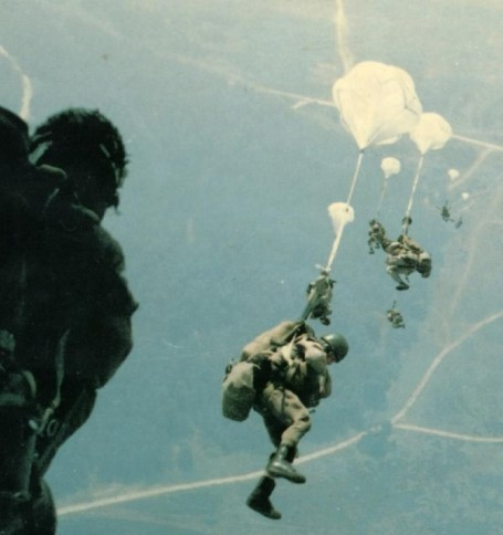 america-celebrates-75-years-of-paratroopers-21
