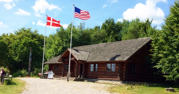 Rebild Lincon Log Cabin